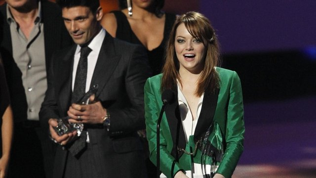 Actress Emma Stone accepts the Favourite Movie Actress award at the 2012 People's Choice Awards