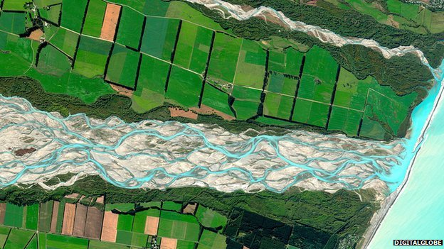 Rakaia River, NZ   DigitalGlobe