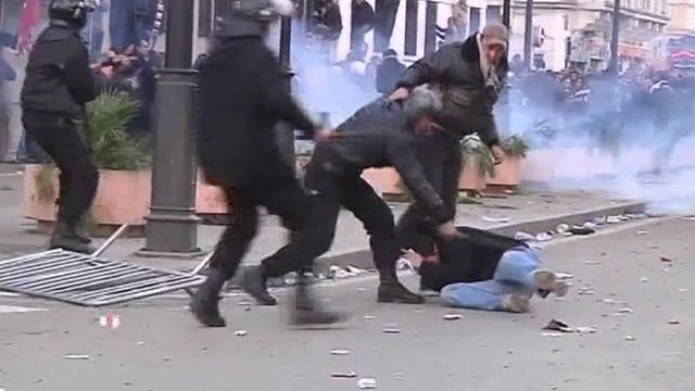 Riots in Tunisia during uprising against Ben Ali