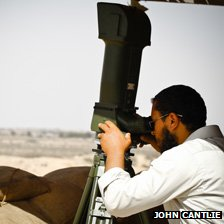 Rebel fighter using sophisticated range-finder