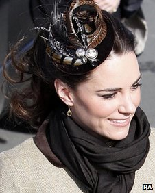 Kate Middleton wearing fascinator