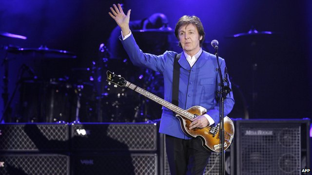 Paul McCartney performs in Paris. Copyright AFP/Getty Images