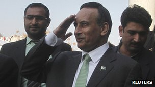 Hussain Haqqani (C), Pakistan's former ambassador to the US