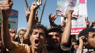 Protesters in Sanaa 22 Jan 2012