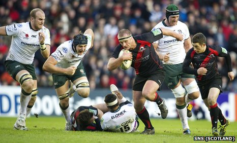 Edinburgh's Geoff Cross retains possession for Edinburgh