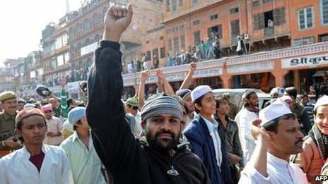 Indian Muslims shout anti-Salman Rushdie slogans after Friday prayers in Jaipur on 20 January 2012