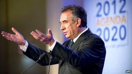 Francois Bayrou delivers a speech in Paris (14 January 2012)