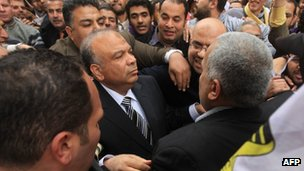 Mohammed Saad al-Katatni outside Egypt's parliament building (23 January 2012)