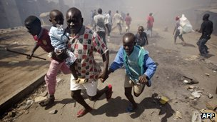Kenyans flee election violence