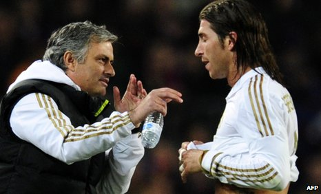 Jose Mourinho talks to Sergio Ramos after the Real Madrid defender&#039;s red card