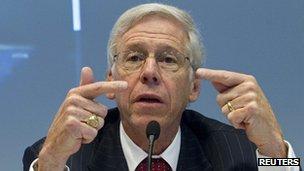 Charles Dallara, head of the Institute of International Finance
