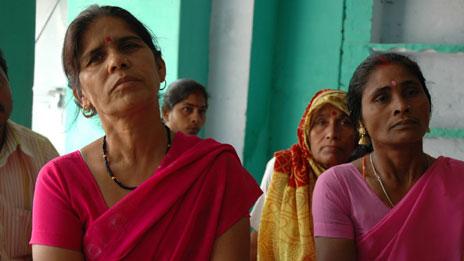 Sampat Pal Devi (left) with the Pink Vigilante group