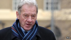 Milan Mandaric arriving at Southwark Crown Court