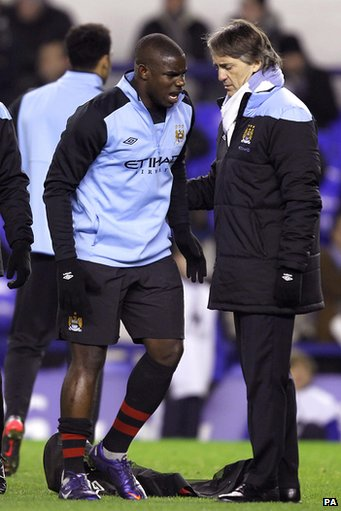 Micah Richards (left) and manager Roberto Mancini
