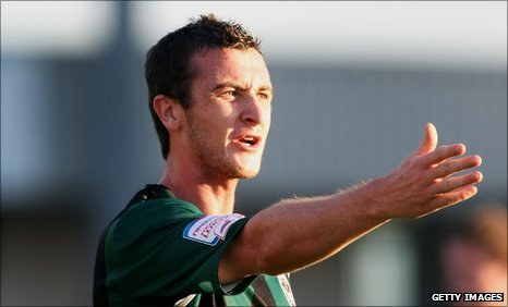Roy O'Donovan has moved on loan to Hibs