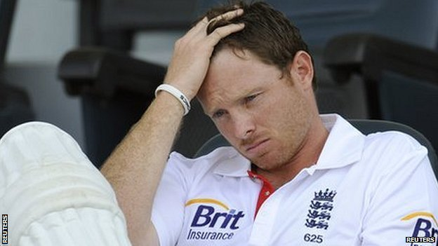 Ian Bell holds his head