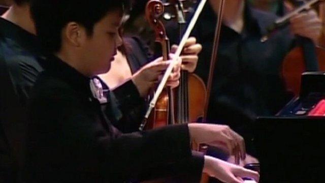 Thailand's teen piano prodigy Gun Chaikittiwatana