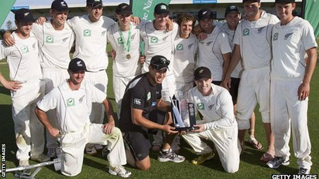 New Zealand with the Test trophy