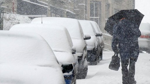 58294208 003610748 1 Warning as heavy snowfall hits UK