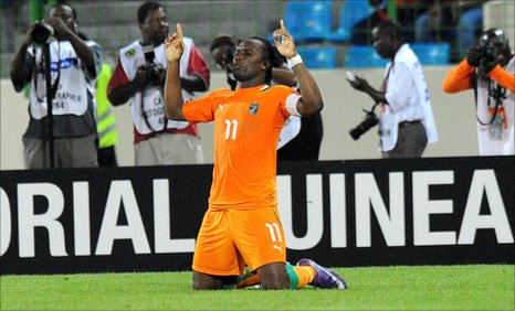 Didier Drogba celebrates scoring in Ivory Coast's 3-0 win over co-hosts Equatorial Guinea