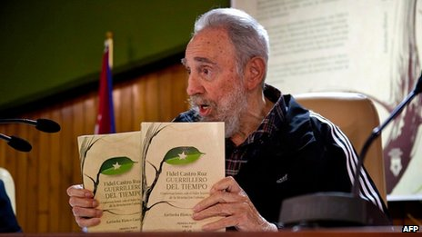 Fidel Castro at the launch of Guerrillero del Tiempo in Havana