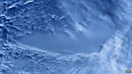 _58326651_e2150346-lake_vostok,_antarctica-spl.jpg