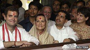 Ragul Gandhi, Sonia Gandhi, Robert Vadra, and Priyanka Gandhi