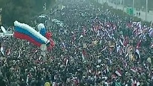 Crowds in Damascus welcome Russian Foreign Minister Sergei Lavrov