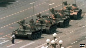 Lone protester halts tank column during 1989 crackdown on Tiananmen protests