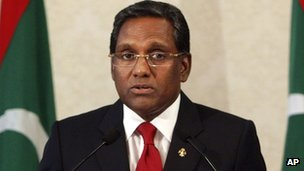 Mohammed Waheed Hassan is sworn in as president of the Maldives in Male on 7 February 2012