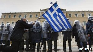 A protester in front of the Greek parliament (7 Feb 2012)