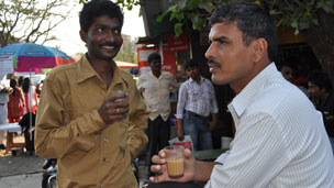 Tea drinkers, Mumbai
