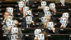Polish politicians protest wearing masks