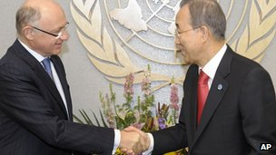 Argentine Foreign Minister Hector Timerman (L) meets UN chief Ban Ki-moon on Friday 10 February 2012