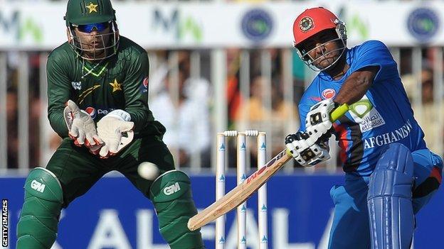 Samiullah Shinwari &  Umar Akmal
