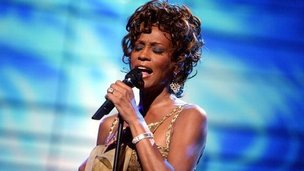 Whitney Houston performs at the World Music Awards in 2004