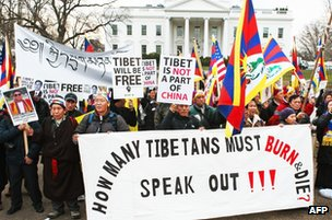 Protesters chant on behalf of Tibetan rights in front of the White House on 14 February 2012