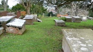 Tombs in the Brothers&#039; Cemetery
