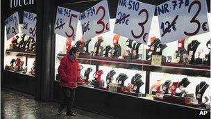 The slowdown in consumer spending is hitting Spanish retailers