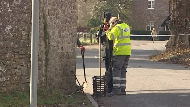 Police search drains in Thornbury