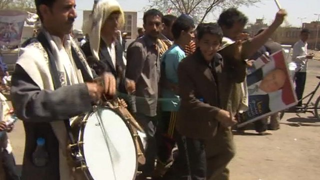 Voters on streets in Yemen