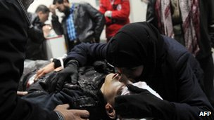 The mother of 15-year-old Mohammed Shawi who was shot by a government sniper / Idlib 22 Feb  2012