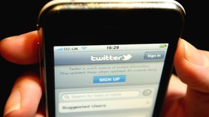 Using Twitter on a Smartphone