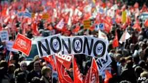Protest against labour reforms in Madrid, Spain (19 Feb 2012)