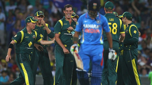 Australia celebrate dismissing India&#039;s Gautam Gambhir  at the SCG