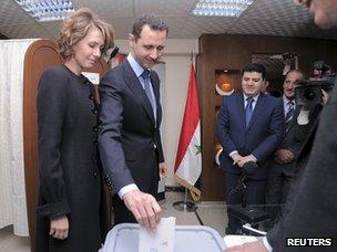 President Assad votes in Damascus