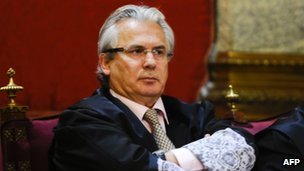 Spanish judge Baltasar Garzon in court on 24 January 2012