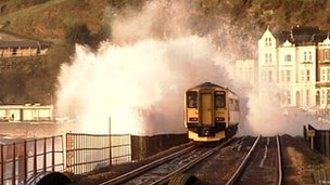 Train on the Dawlish to Teignmouth line