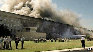 Smoke billows from Pentagon (11 Sept 2011)