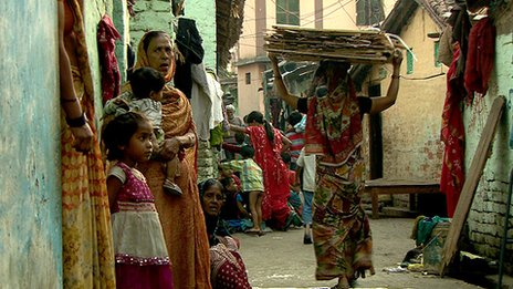 People living in a slum in Patna